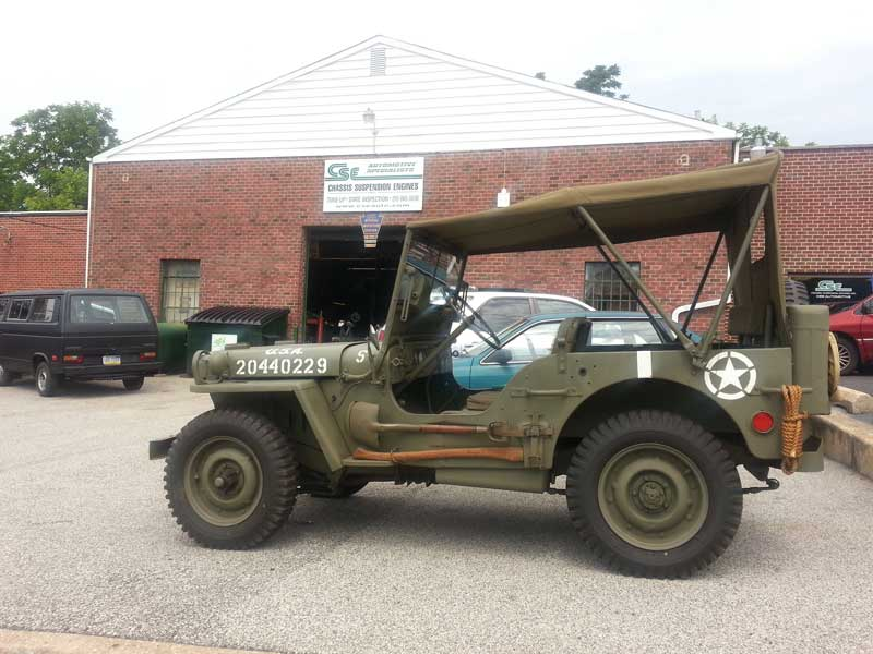 Jeep that looks like one from MASH